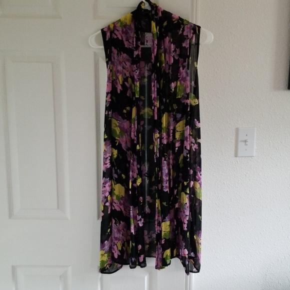 Lucy Love Tops - Sleeveless kimono